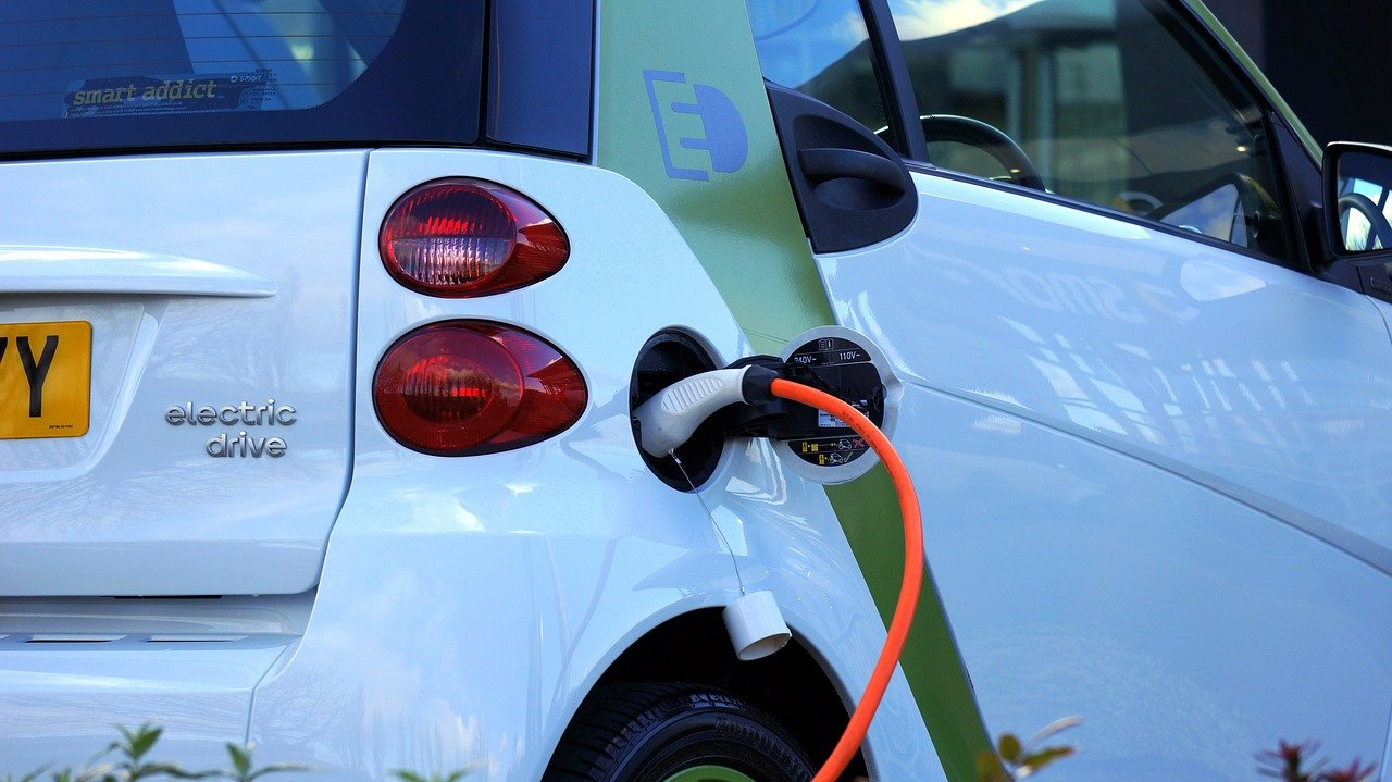 Thieves making £200 a time stealing electric car charging cables